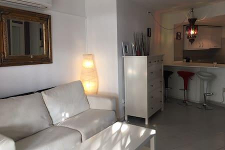 moderno apartamento con piscina zona Pacha - 伊比薩 - 公寓