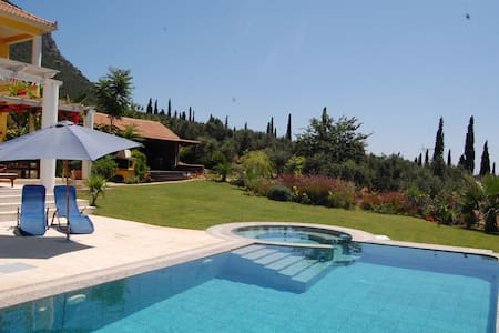 large luxury private villa - Kyparissia
