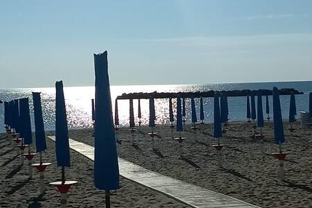 Camera doppia vicino al mare