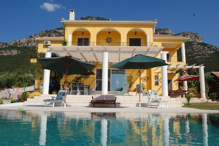 Large Luxury Private Villa