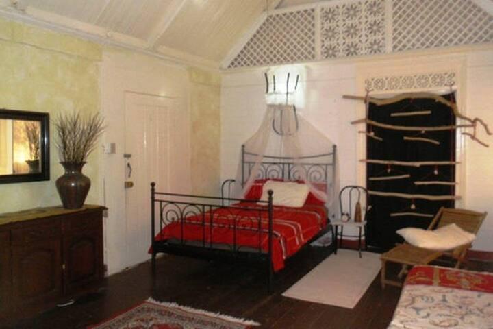 #2 charming villa (private beach) - Oracabessa - Bed & Breakfast