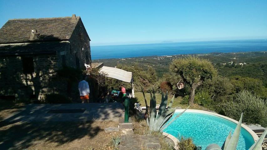 Ancienne maison vue Mer & Montagne - Cervione - 一軒家