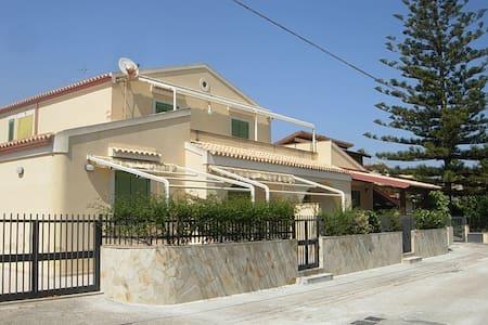 casa indipendente vicino al mare  - Marina di Modica - 一軒家