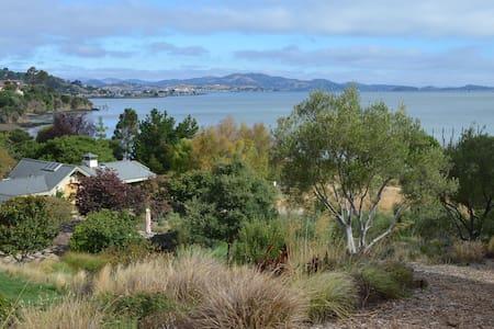 Private Waterfront Property - Belvedere Tiburon - Maison