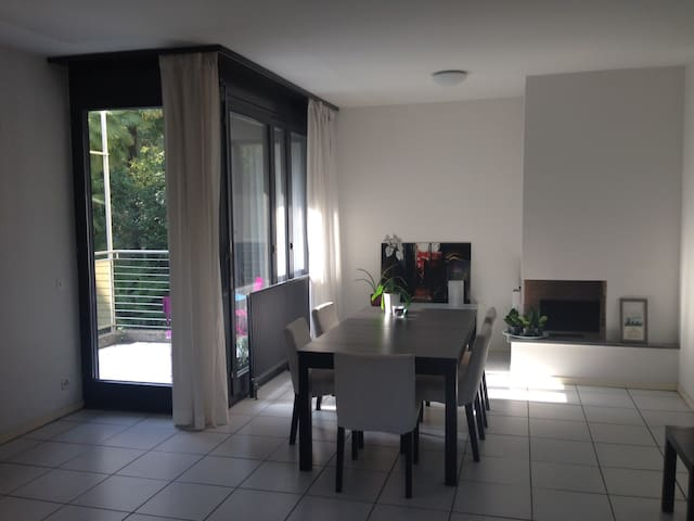 Quiet sunny room - Lugano Paradiso - Lugano - Apartment