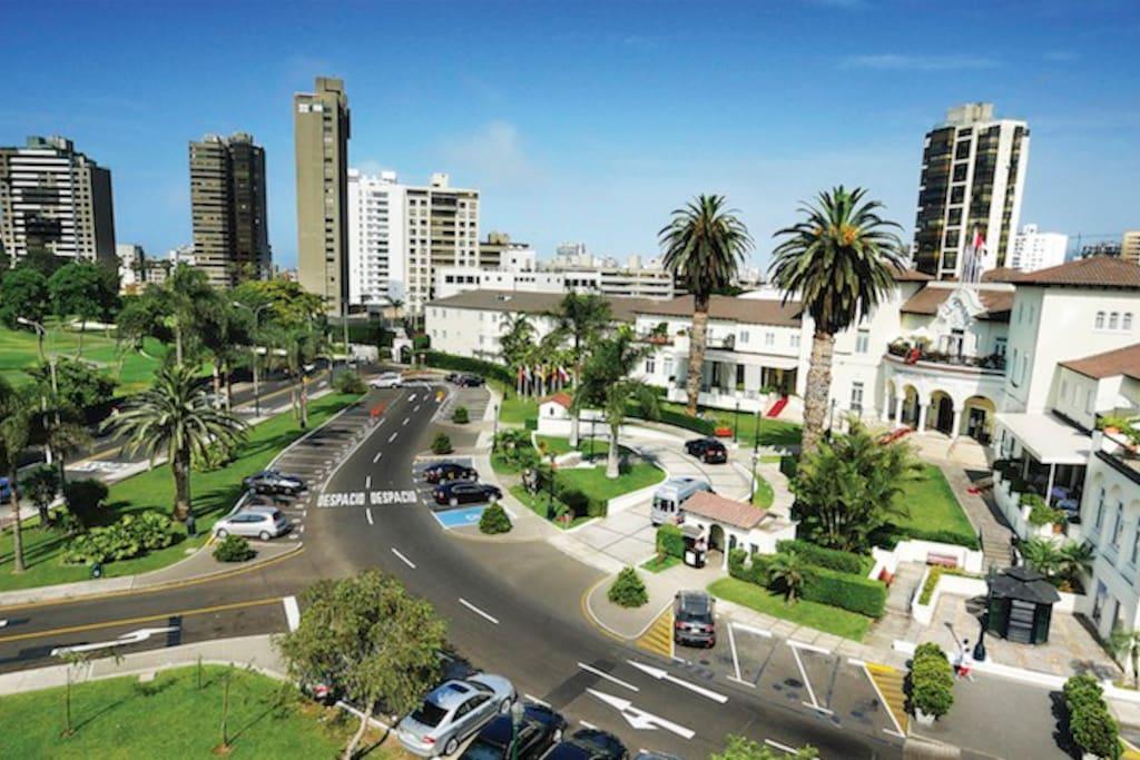Located in the heart of San Isidro / Situado en el corazon de San Isidro