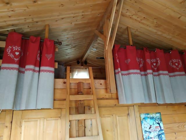 La mezzanine et ses deux couchages !