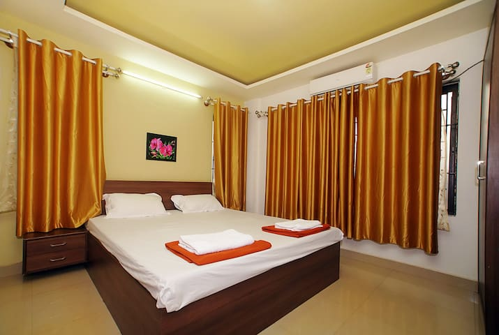 Clean rooms, Centrally located (Virajpet, Coorg)