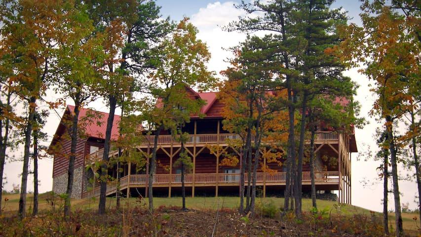 Blue Ridge Mountain Log Cabin - Dobson - Kabin