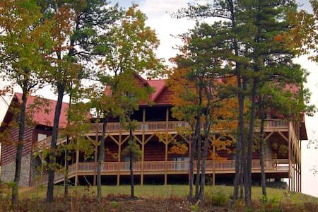 Blue Ridge Mountain Log Cabin - Zomerhuis/Cottage