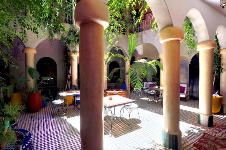 Lovely Riad  Médina - Marrakech 傳統利亞德