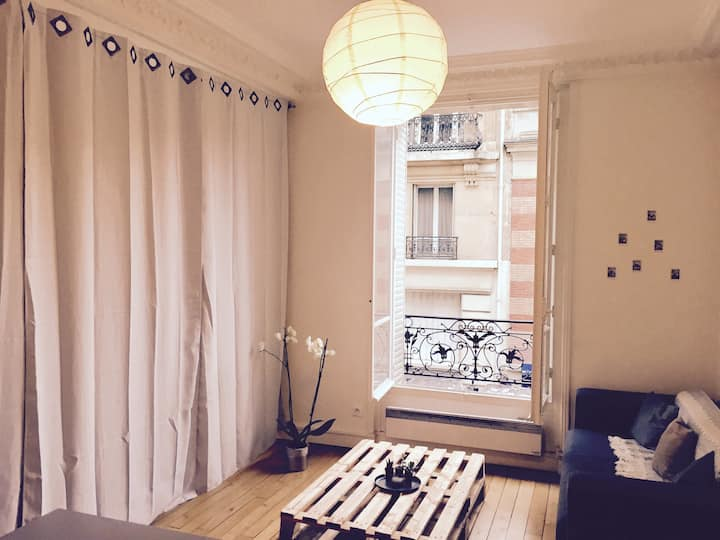 BEAUTIFUL ROOM TO RENT IN HAUSSMANNIEN APARTMENT