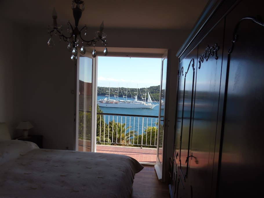 World famous yachts anchor here. You can see them from the balcony or...from your bedroom