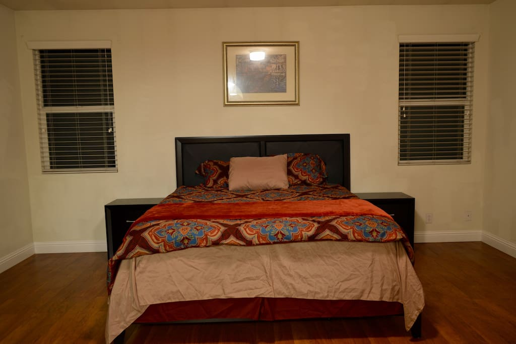 Master bedroom with real queen bed