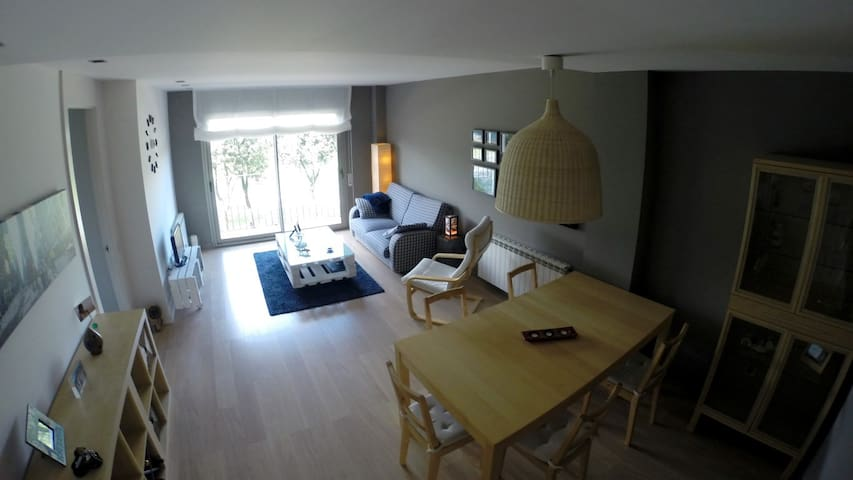 Luminoso apartamento a los pies del Montseny - Taradell