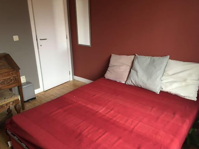 Chambre dans une villa cosy à 2 pas de la gare
