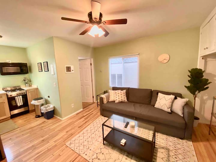 1 Bedroom steps from Sand and Belmont Park!
