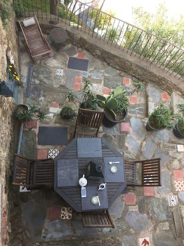 Maison au coeur du village terrasse - Belgodère