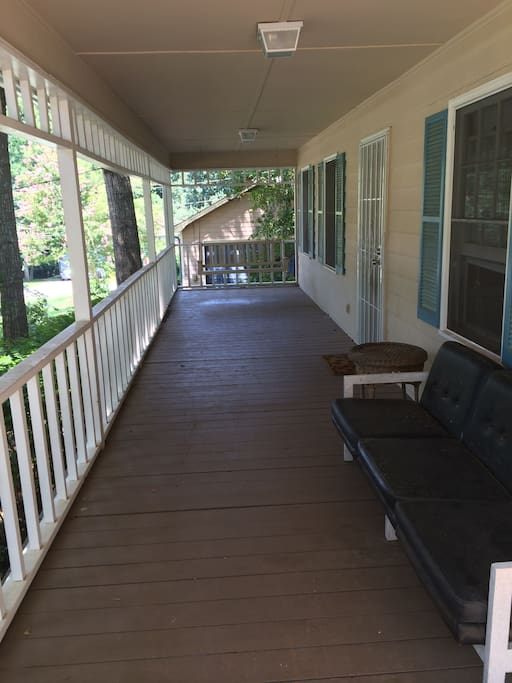 Porch, perfect for having a glass of wine after work!