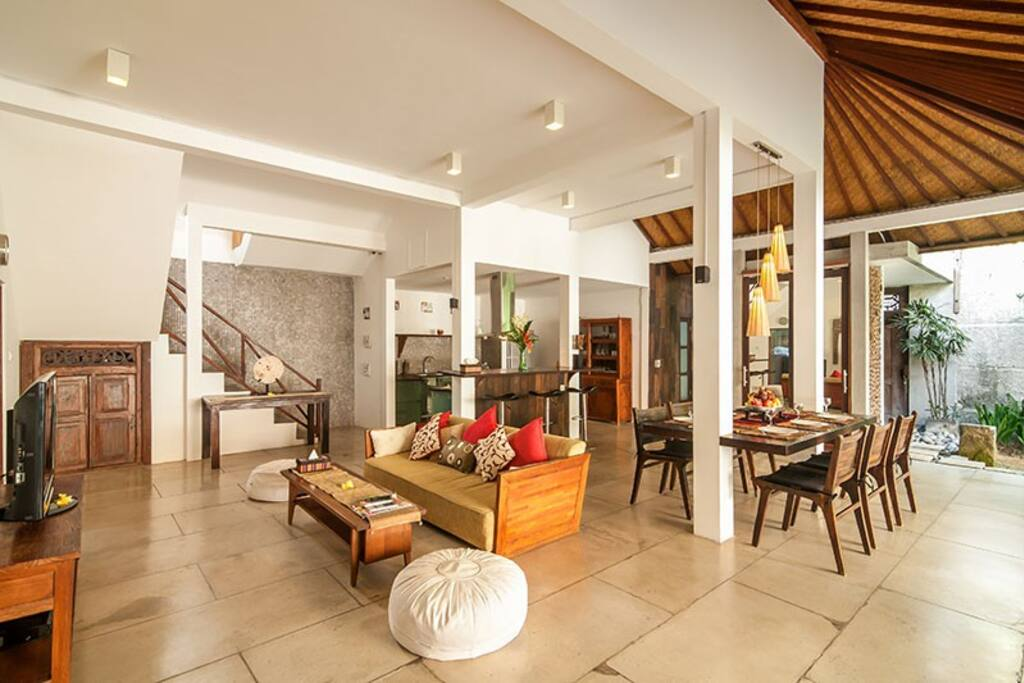 Open plan living and dining area at Villa Malou.