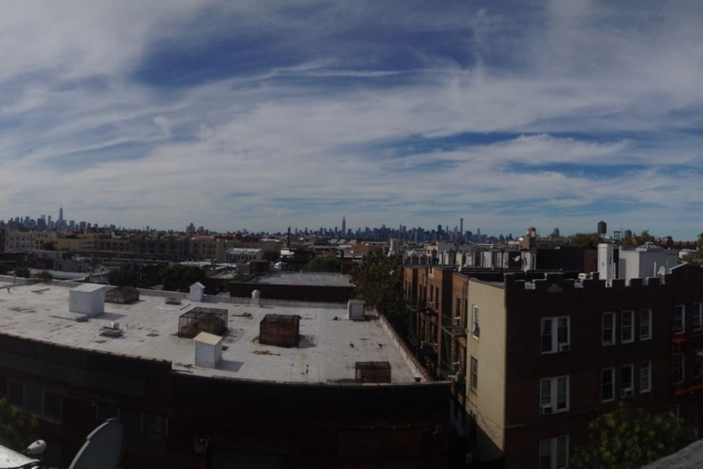 ROOF ACCESS with gorgeous view of BROOKLYN, QUEENS AND MANHATTAN !!!
