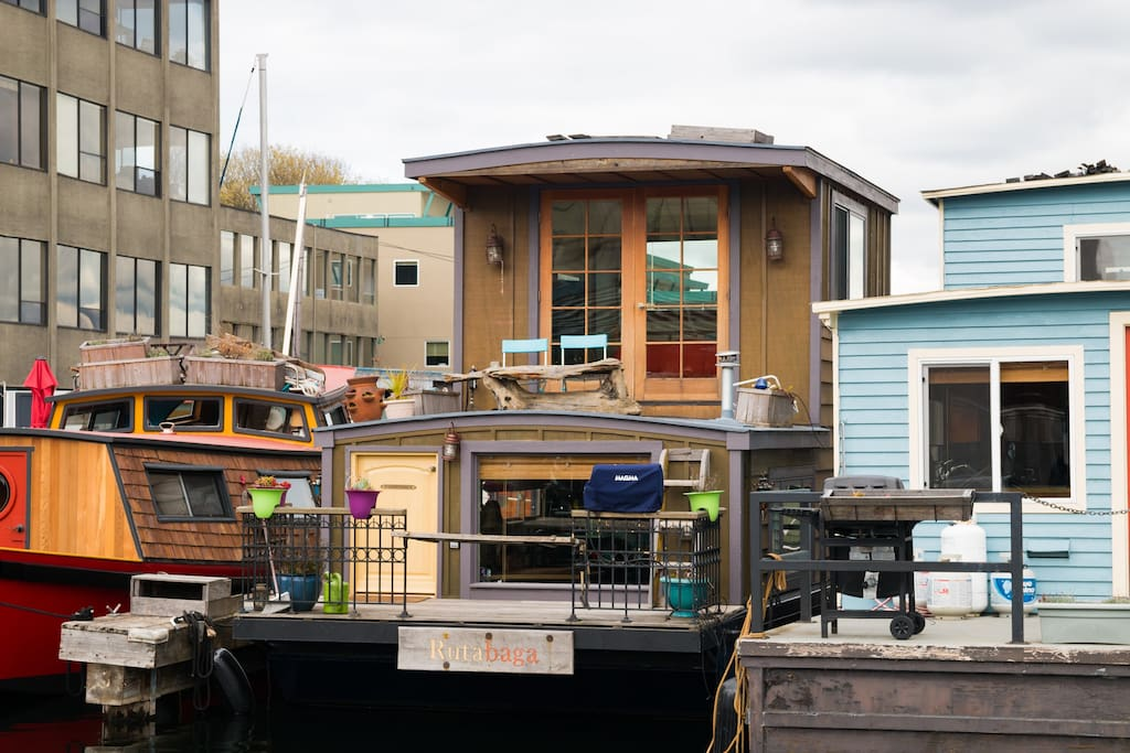 rutabaga houseboat houseboats for rent in seattle washington united states. Black Bedroom Furniture Sets. Home Design Ideas