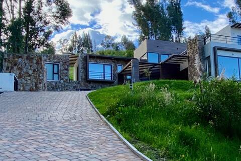 Dos ambientes modernos asomados al valle de Cuenca