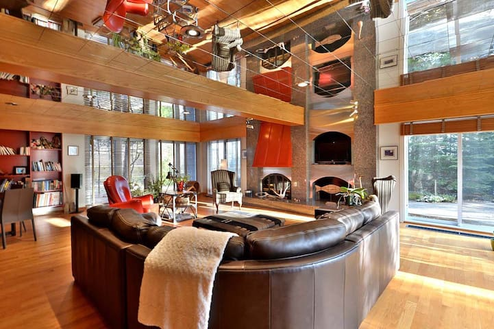 Spacious house that can host the entire Family!