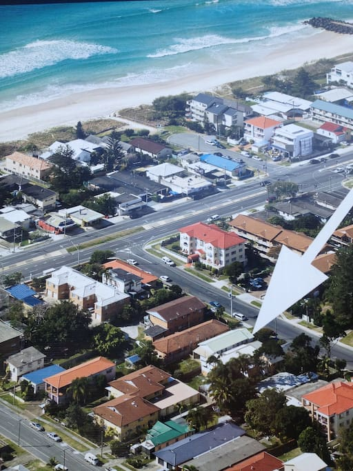This shows how close the Beach House is to the beach!