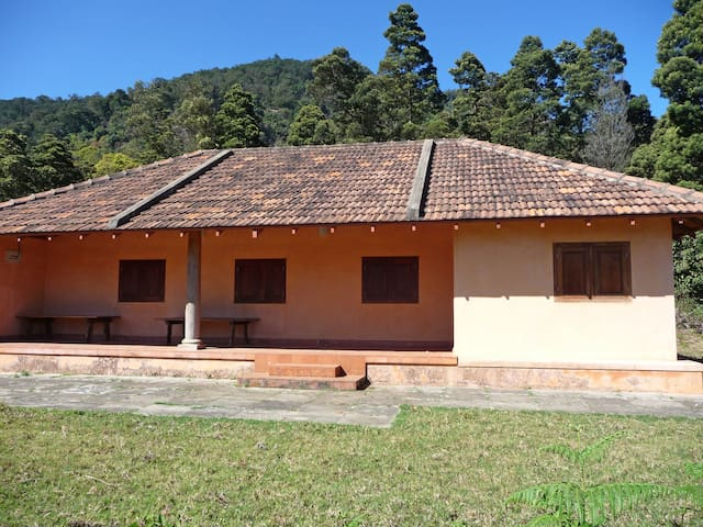 Mountain Sanctuary Retreat - Kanthalloor,  Idukki district - Casa