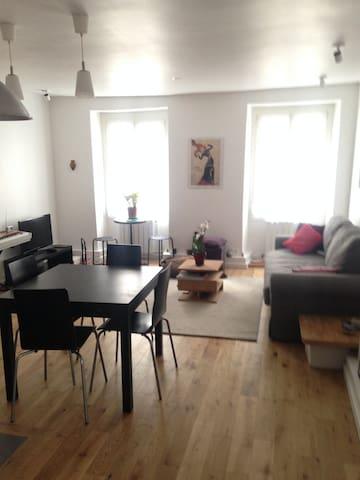 Apartamento amplio y nuevo