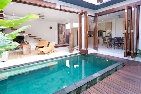 On sale, three bedroom villa - North Kuta