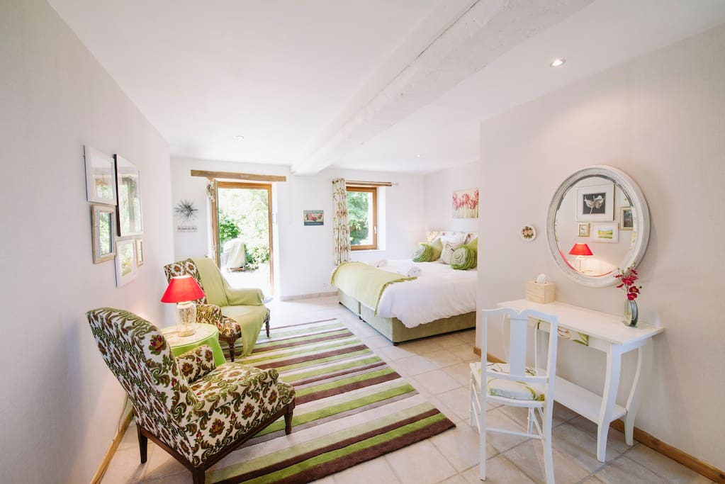 Le Jardin - ground floor ensuite double or twin room with private outdoor seating area
