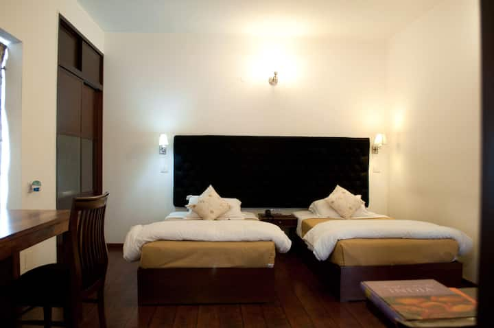 An Exquisite Room to stay with twin beds