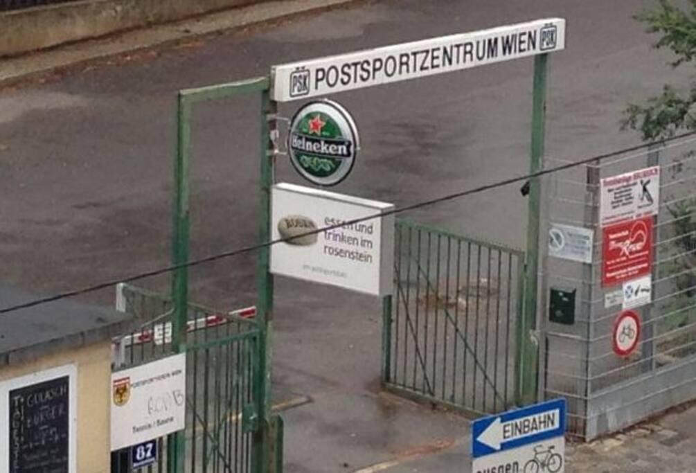 Postsportzentrum Wien gegenüber