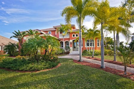 Florida Dream Home on Golf Course - Fort Myers