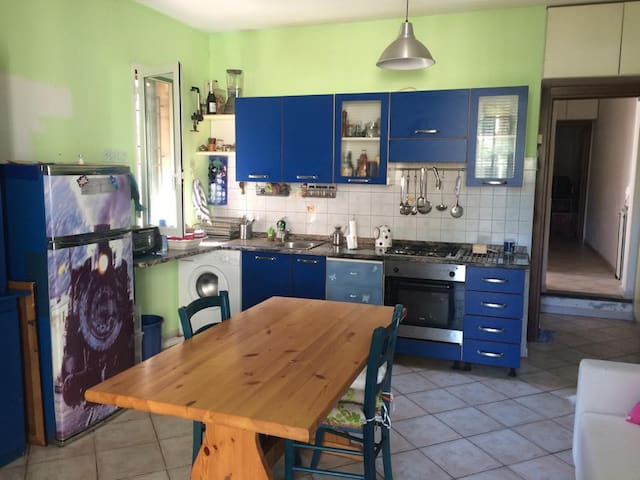 Double room near station/airport - Pisa - House