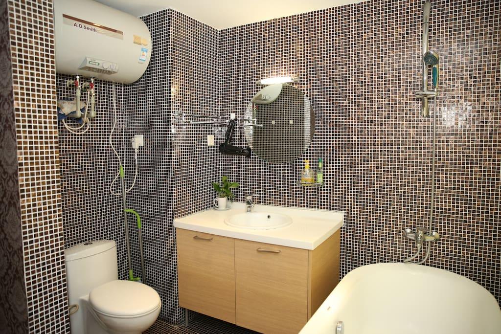 博洛尼浴室柜组合、浴缸