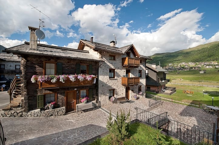 Red - 2/3 Guests - Livigno - Appartement