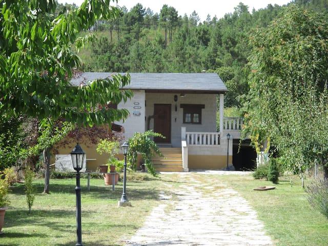 CASA MUNDIAL CICLISMO PONFERRADA - Quereño - Haus