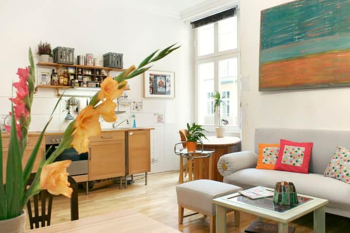 Chic apartment in central Prenzlauerberg!