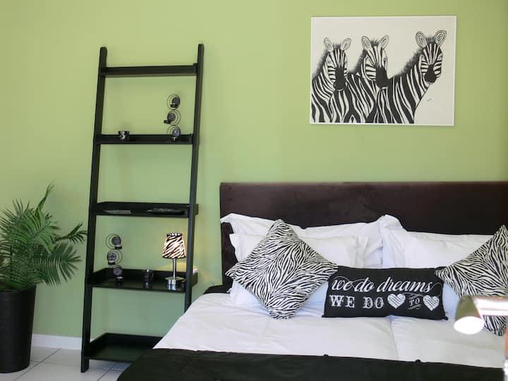 "Chalet ""Zebra"" @ Orange-Ville"