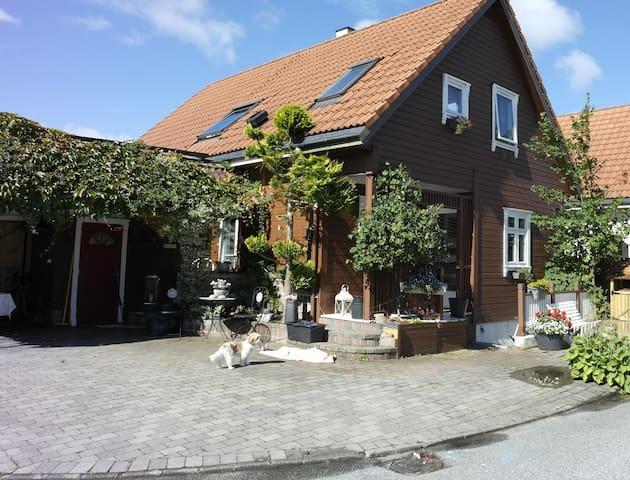 Cosy Basement-apartment in Hundvåg / Stavanger - Stavanger - Daire