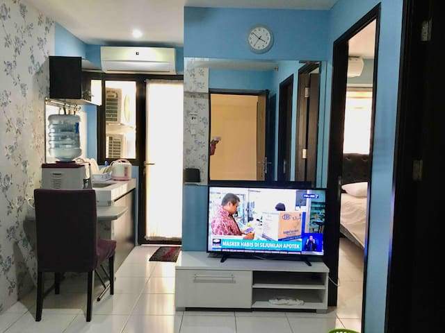 The comfort Kebagusan City Apartment for 6 guests