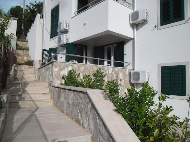 Apartment  Dragun 1 Stomorska Šolta - Stomorska - Apartamento