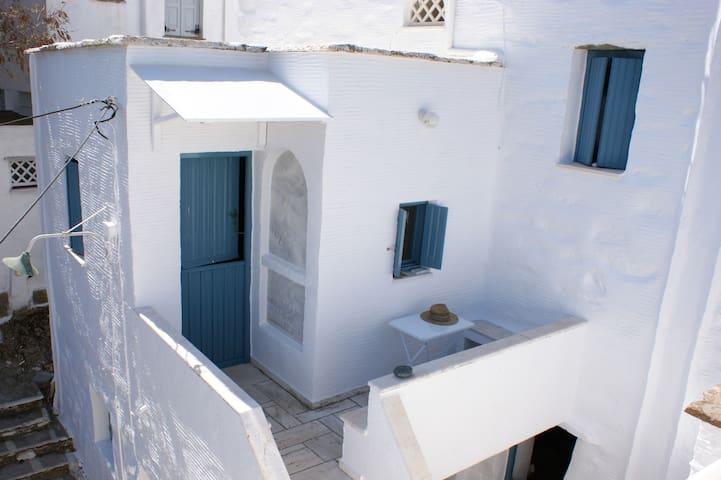 Cosy Studio in Pyrgos, Tinos