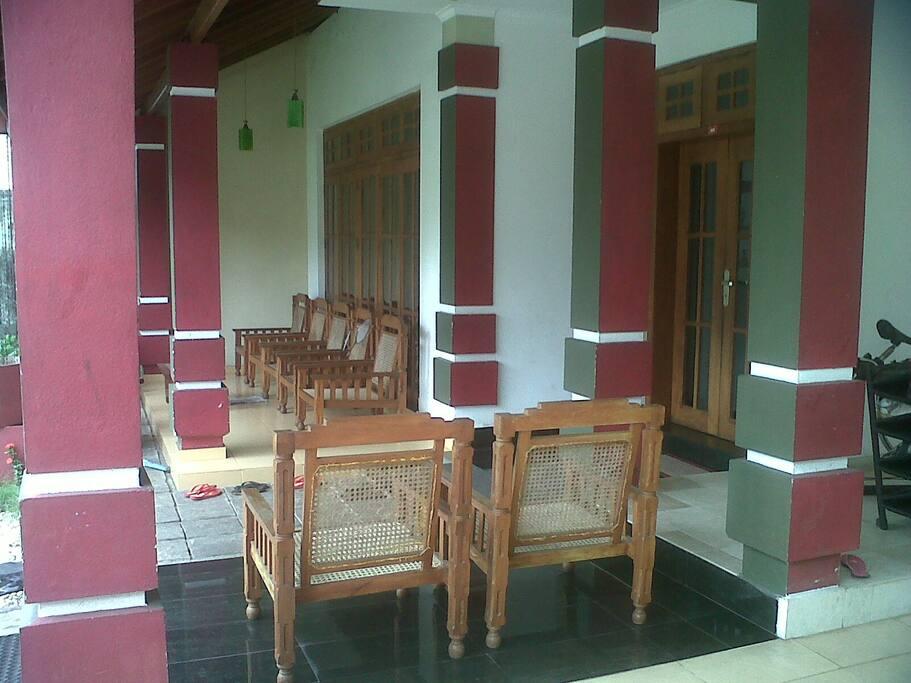 sit our area on the ground floor verandah