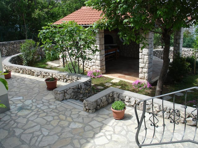 Perfect summer house Komadina