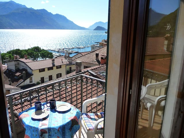 Big apartment with wonderful view lake , Wifi free - Menaggio - Leilighet