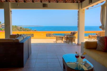 Ocean Front Carrizalillo Penthouse - Puerto Escondido